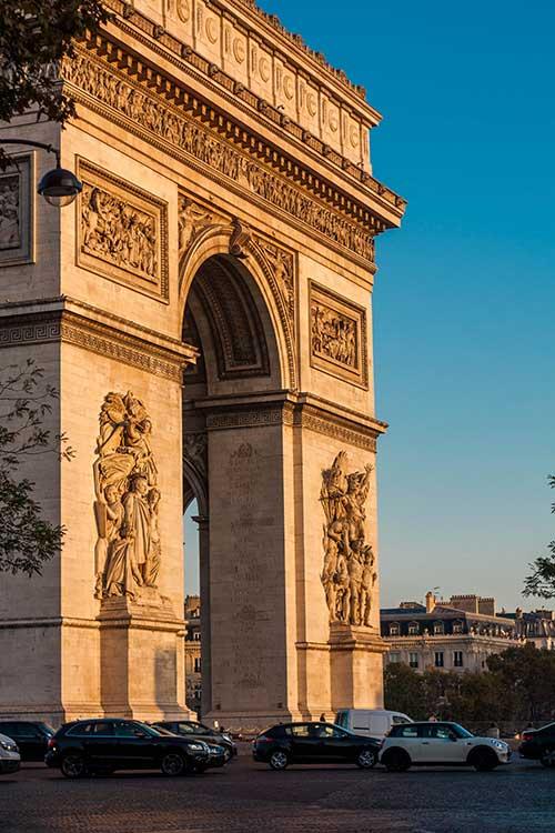 the champs élysées in paris, best tourist attraction in paris