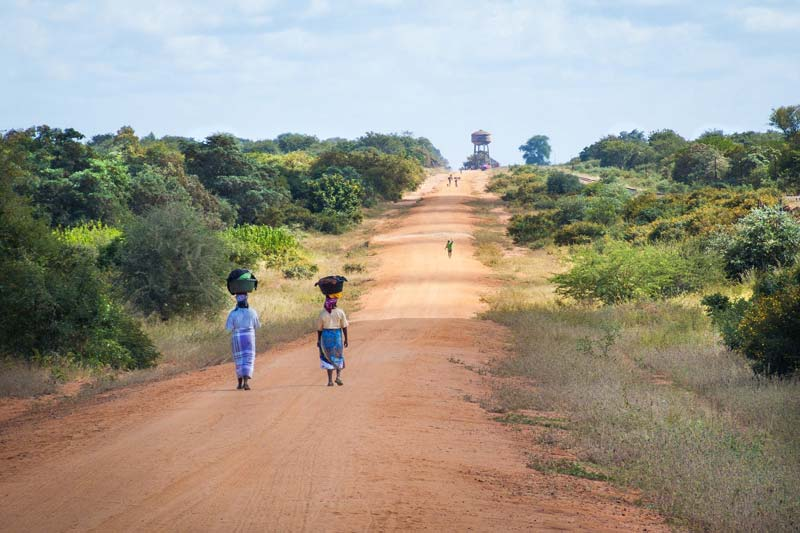 travel into another world, Mozambique guides